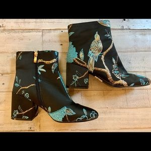 NWOT❤️EGO Flower and Bird Ankle Boots-7